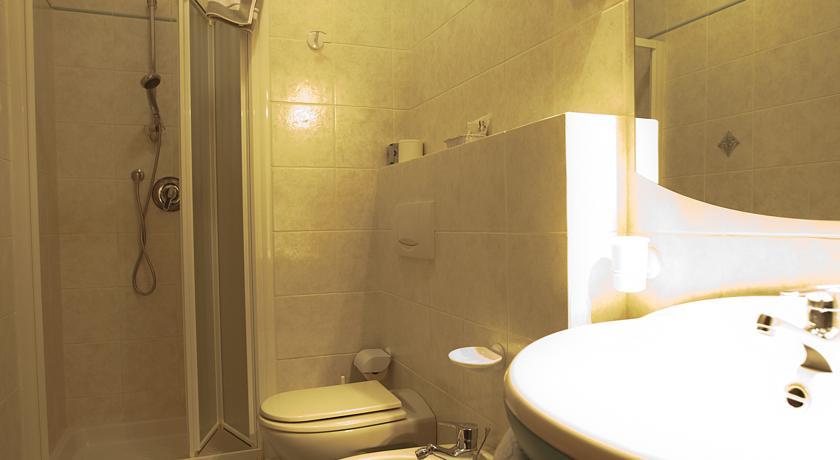 Servizi in Camera e doccia