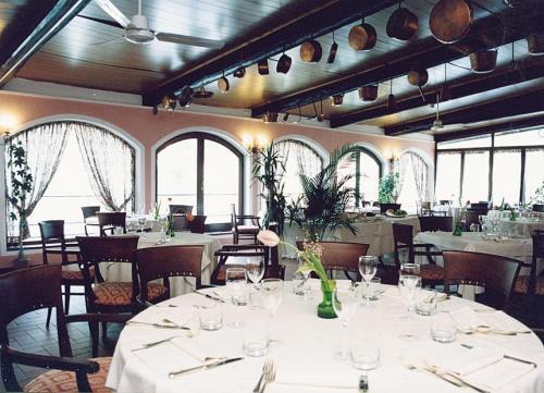 Sala Pranzo-Cena con Prodotti Tipici Hotel a Bagni-di-Lucca
