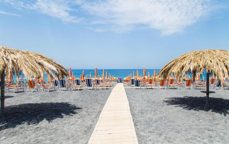 Spiaggia Privata vicino all'Arcella Village in Calabria