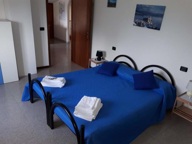 B&B Valtaro: camera blu matrimoniale o 2 singoli