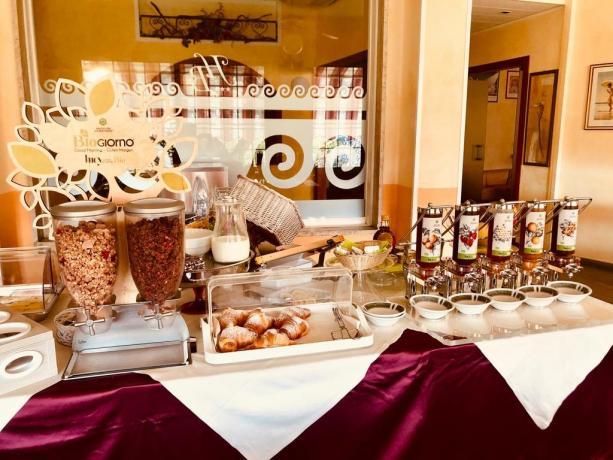 Colazione a buffet hotel3stelle a San-Bartolomeo-Mare