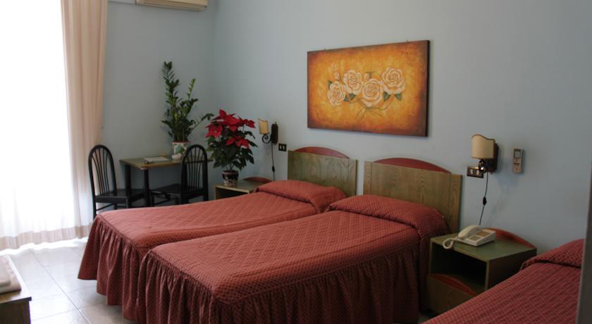 Camera tripla con letti singoli a Palermo