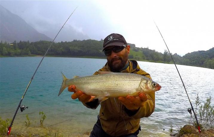 Pescare-Pescatore sul lago di Piediluco