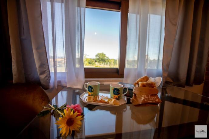 Colazione in suite nella natura relax coppie