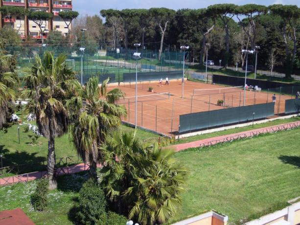 Campo tennis hotel 3 stelle Anzio