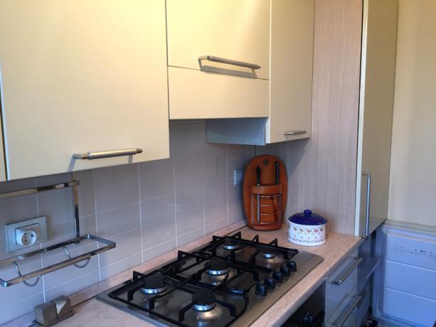 Trilocale cucina componibile completa