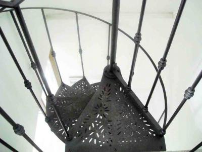 scala chiocciola in ferro pianta tonda