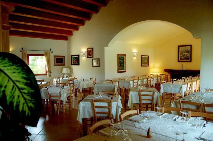 Sala Ristorante Resort4stelle vicino Costa Smeralda Sardegna