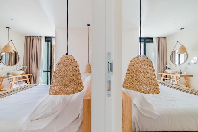 Camera matrimoniale moderna hotel 4stelle Baia-Domizia