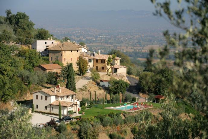Vista panoramica del casolare a montefalco