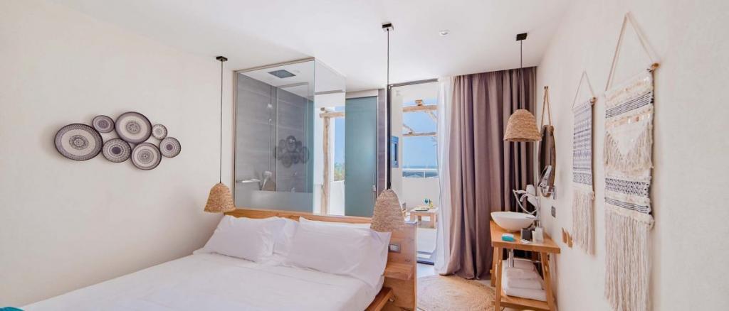 Doccia a vista hotel 4 stelle Baia Domizia