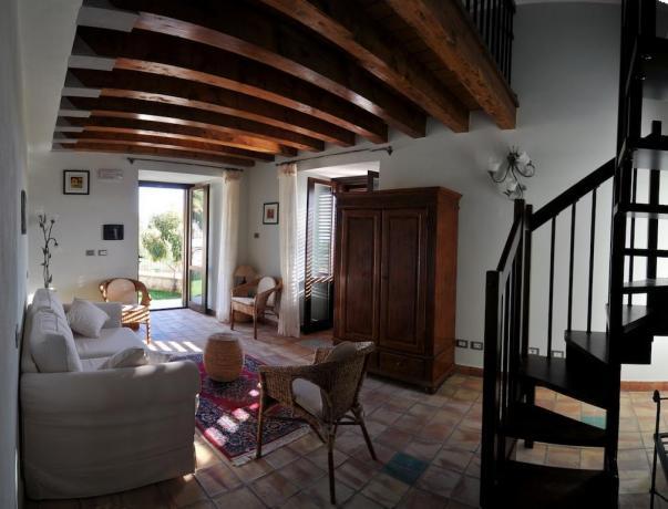 Area soggiorno appartamento dell'albergo in Sicilia