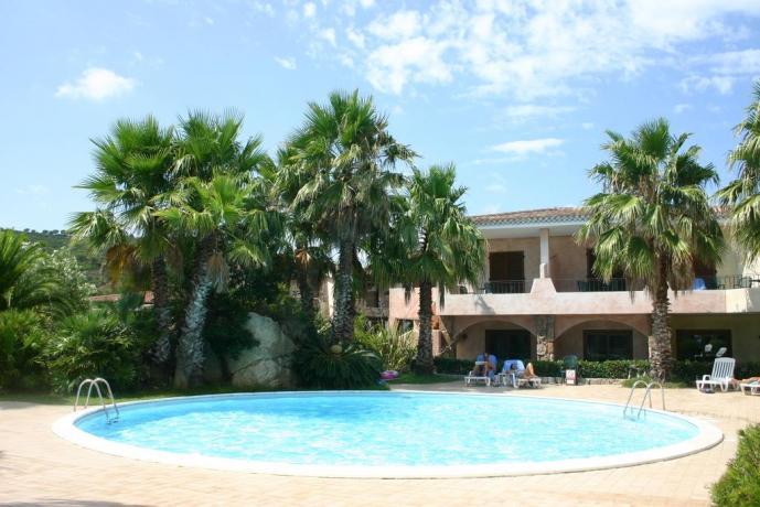 Appartamenti Vacanza Residence con ampia Piscina