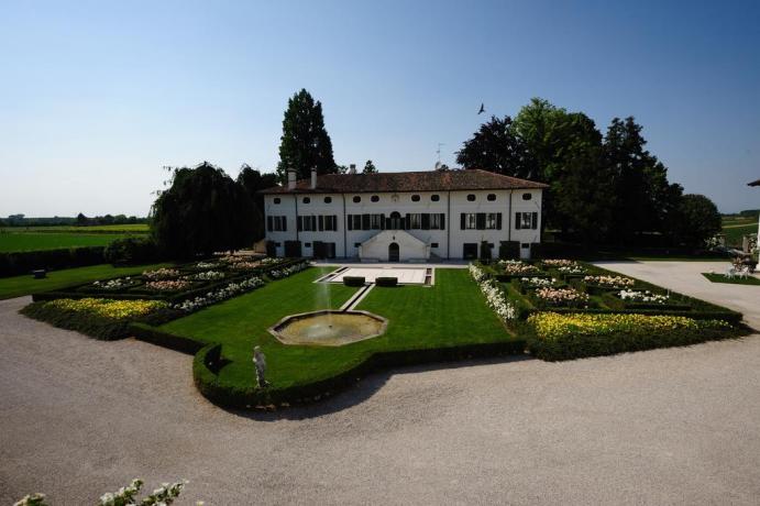 villa-bb-cerimonie-convegni-piscina
