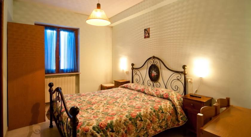 Camera Matrimoniale con bagno privato a Cascia
