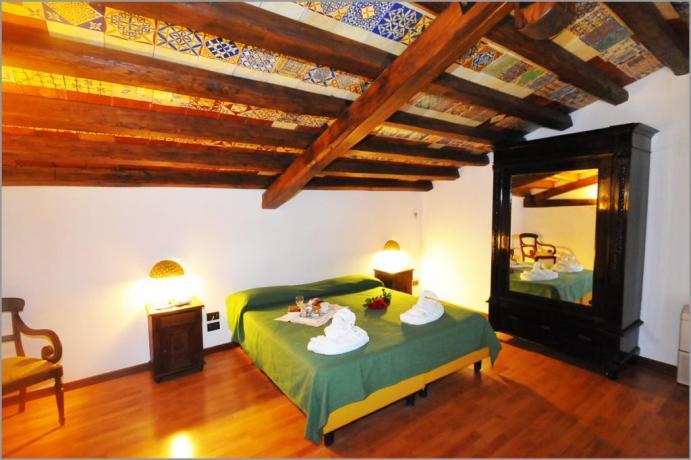 """Hotel Alcamo, Suite 204 """"STANZA DELLE MAIOLICHE"""""""