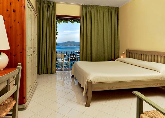 Resort con SPA e Camere vista mare