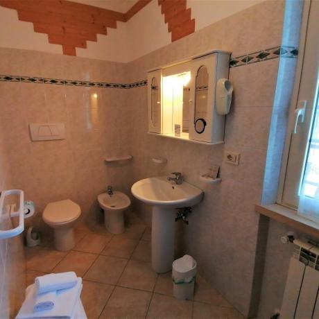 Bagno privato con asciugamani agriturismo Manciano Maremma-Toscana