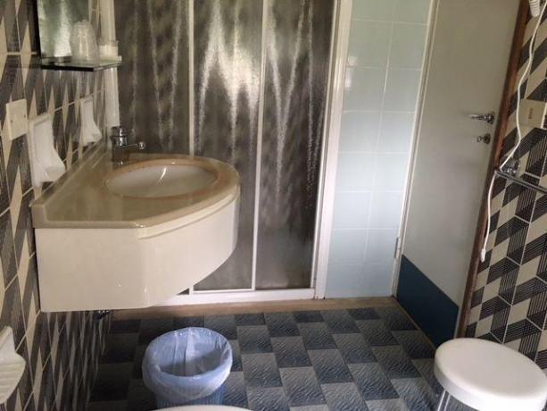 Bagno camera appartamenti a Milano Marittima