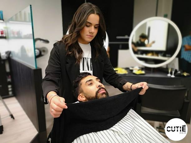 Salone Uomo-Donna: Specializzato in Taglio, Tinta, Barba,