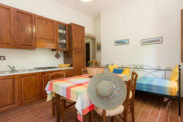 Soggiorno cucina in appartamento vacanza trilocale