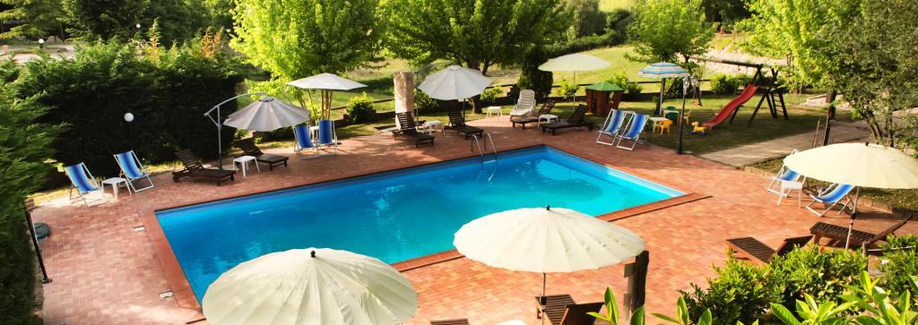 Hotel Umbria Resort a Fabro con piscina esterna