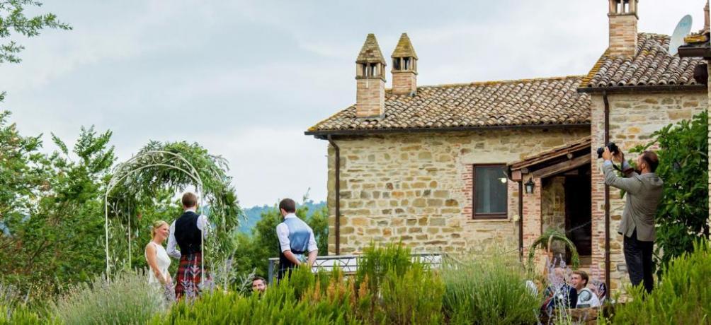 Relais Umbria con sala ricevimenti all'aperto
