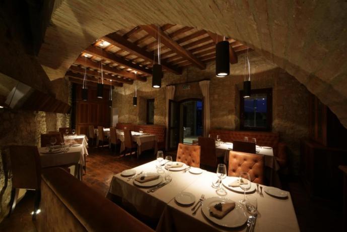 Ristorante Deluxe in Dimora Padronale, Umbria Resort