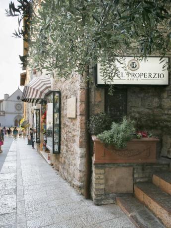 Facciata esterna Hotel ad Assisi