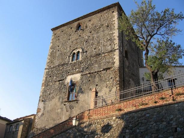 Agriturismo per visitare il Castello di Altomonte