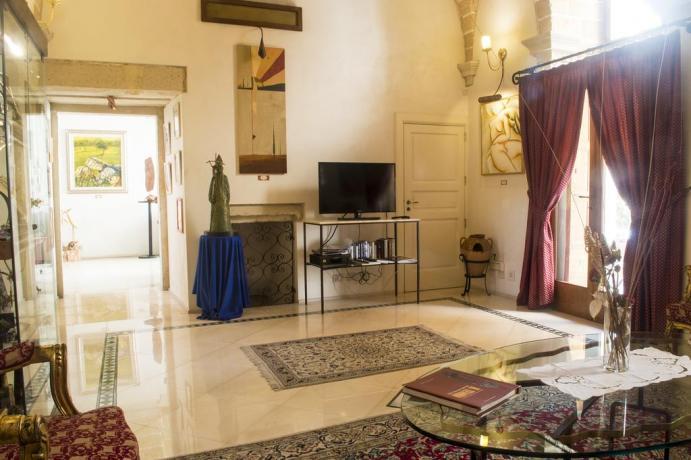 Sala Tv per ospiti Hotel a Galatina