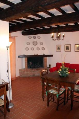 Salone con Camino, Appartamento Fiordaliso