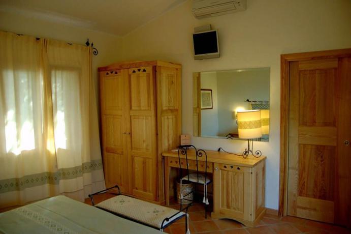 Camera da letto arredata e nuova in Sardegna