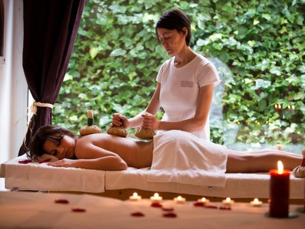 Massaggio total body centro benessere Manfredonia
