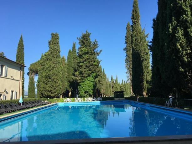Piscina con salarium villa vicino Perugia