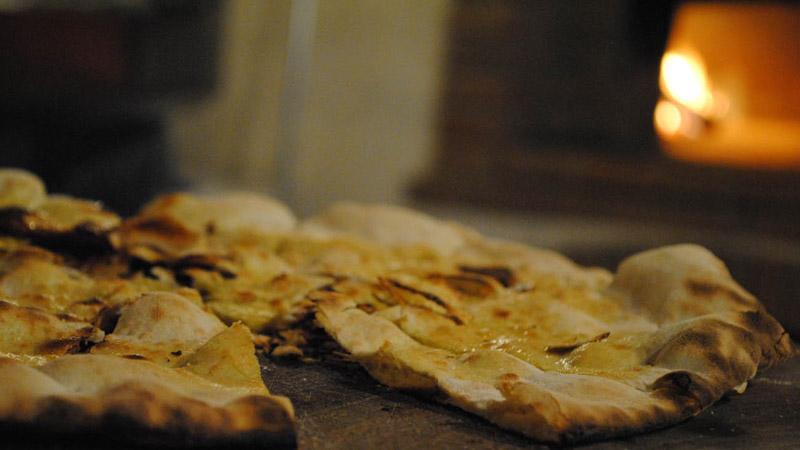 Pizza bio, prodotti tipici, vacanza in appartamenti, toscana