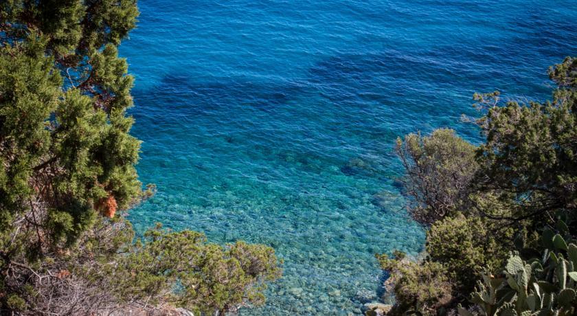 Spiaggia Villasimius: Acqua cristallina
