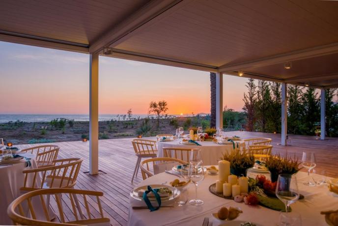 Ristorante esterno vista mare hotel4stelle Baia-Domizia
