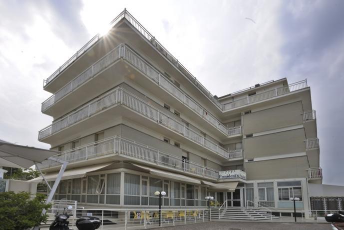 Hotel 3 stelle sul lungomare di Pesaro