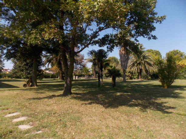 Giardino Aprilia - hotel 2 stelle con Parco