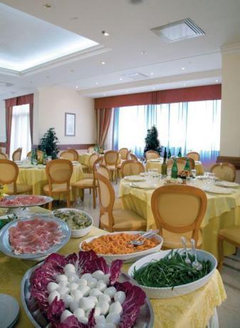 Ristorante a Buffet in Hotel a Caserta