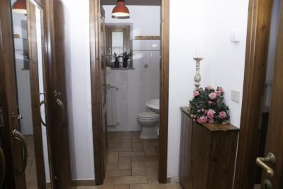 Bagno e antibagno appartamento Sole