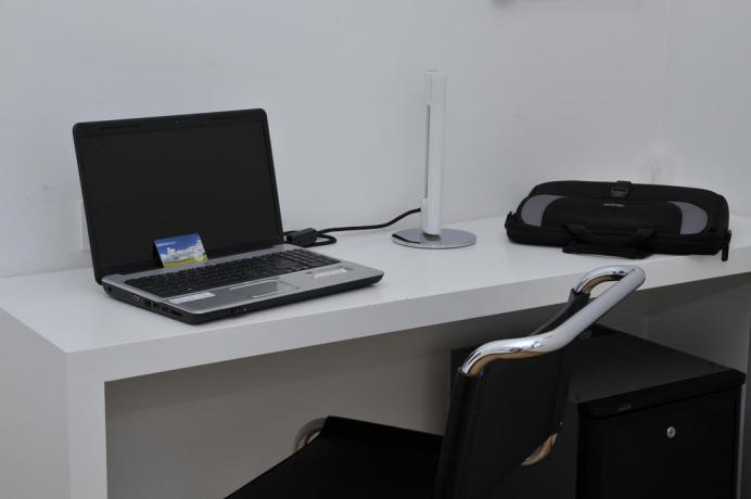 Appartamenti con scrivania inclusa in Hotel a Fondi