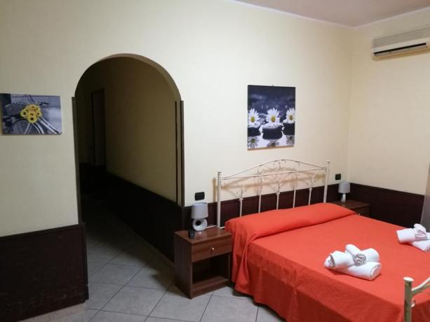 Hotel con Piscina Esterna a Capua