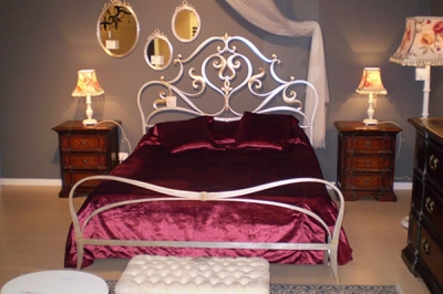 Vendita letto in ferro battuto in umbria camere da letto classiche e moderne umbria bevagna - Camere da letto ferro battuto ...