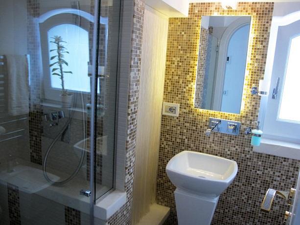Bagno in Suite con doccia per 2 persone