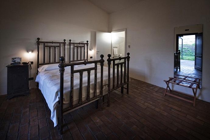 Camere da letto con tv sat e sky