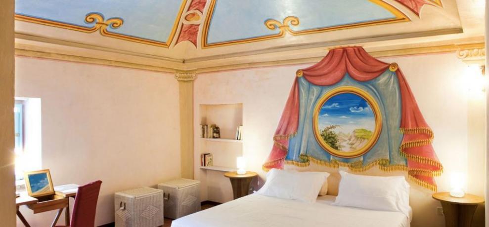 Suite double bedroom
