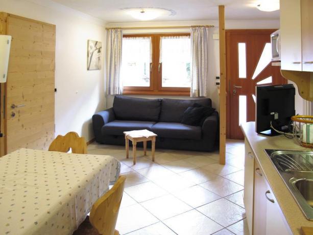 Appartamenti con ampio soggorno e Tv a S.Viglio