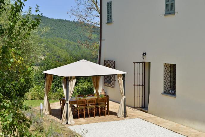 Villa in Umbria con ampio giardino esterno